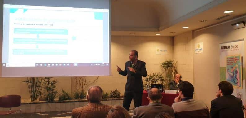 Iñigo Vazquez en las segunda ponencia